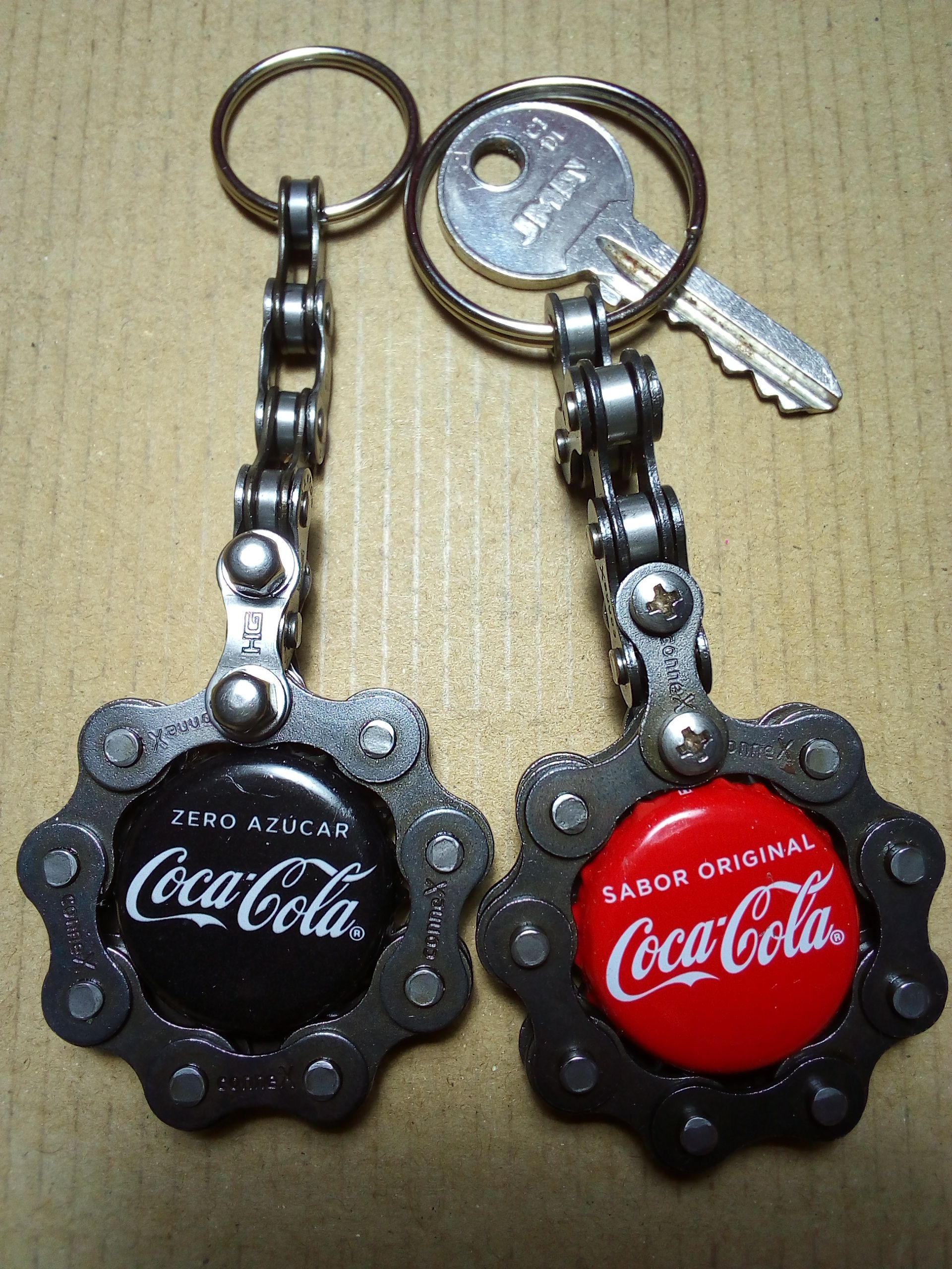 Bicycle chain art work, handmade keyholders with CocaCola cap light and classic,…