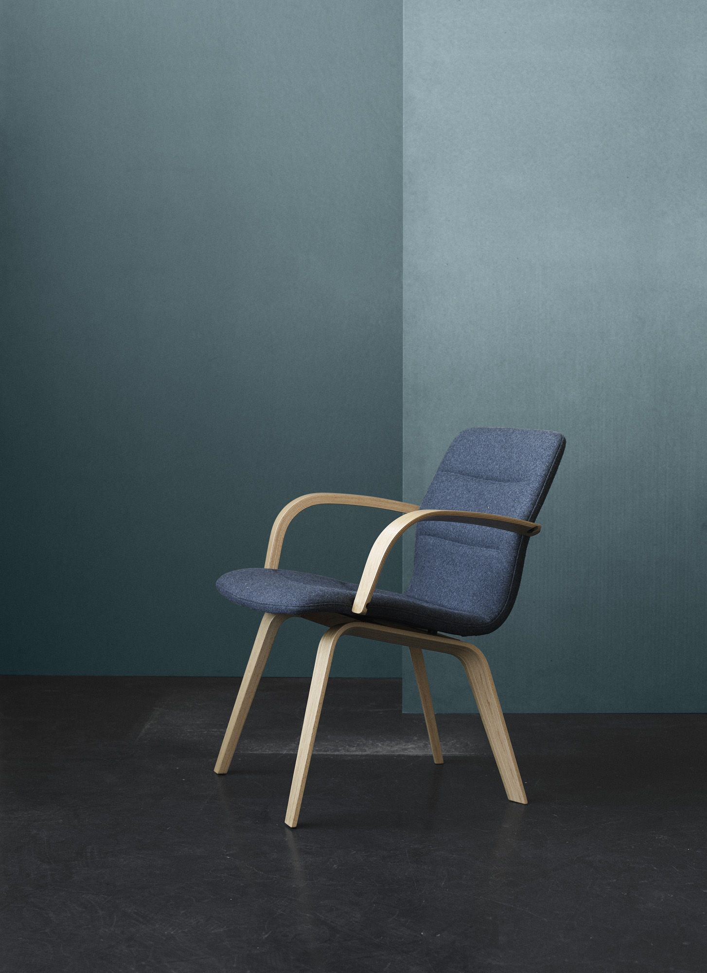 Enjoyable Butterfly Lounge Exclusively From Trendway By Magnus Olesen Ibusinesslaw Wood Chair Design Ideas Ibusinesslaworg