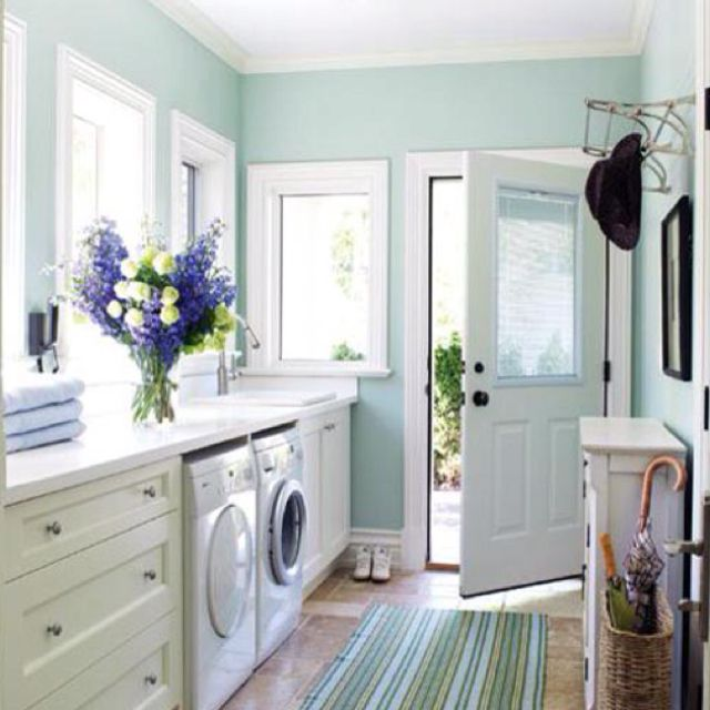Love this laundry room! And my favorite color too!