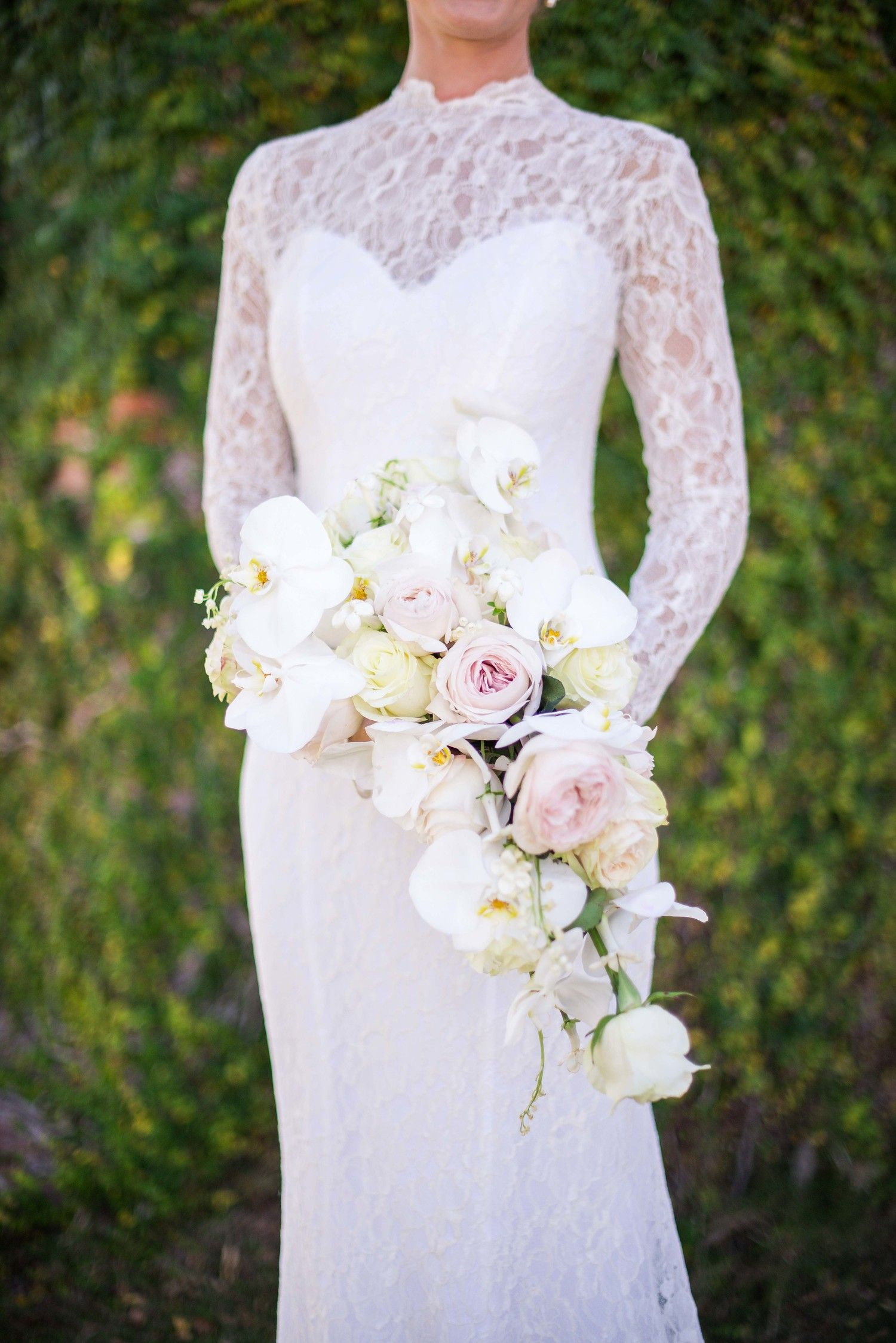 32 Chic Cascading Wedding Bouquets Cascading Wedding Bouquets