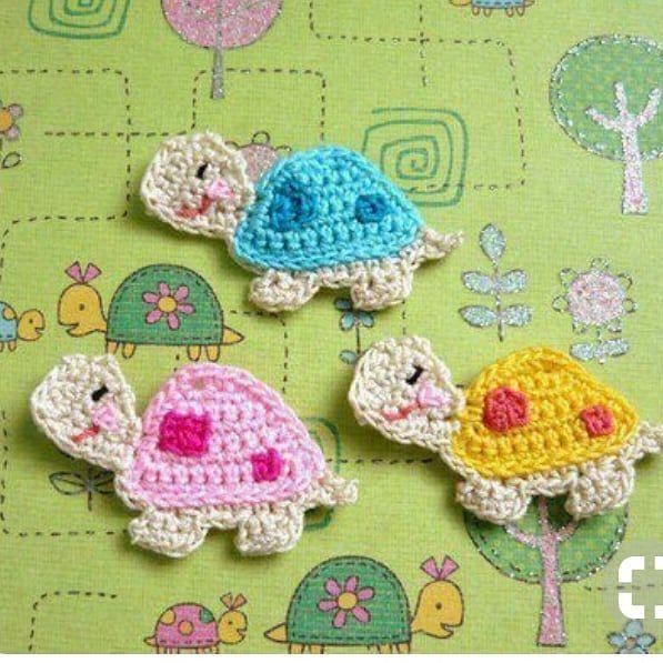 FLOWER EMBROIDERY - Crochet Handwarmers #crochetturtles