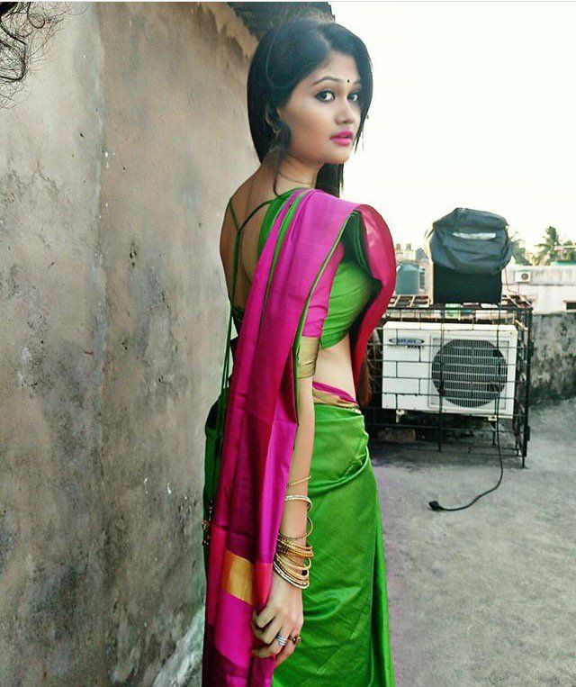 Bangladeshi bhabhi in saree