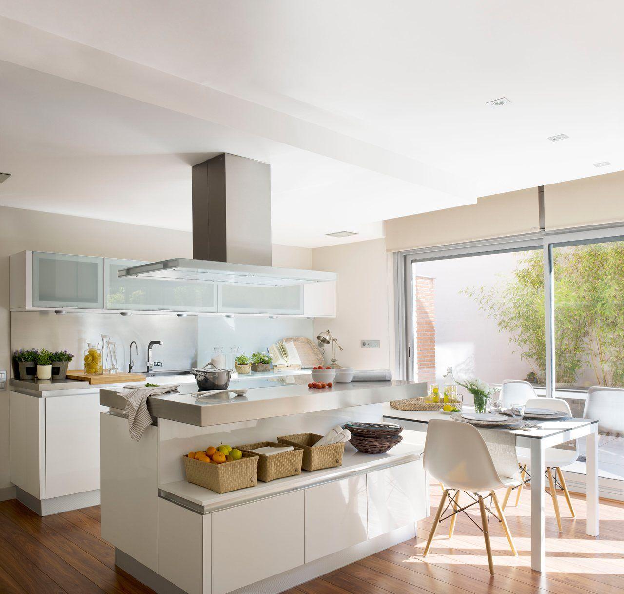 Renovar la cocina sin obras cocinas y for Cocinas blancas pequenas