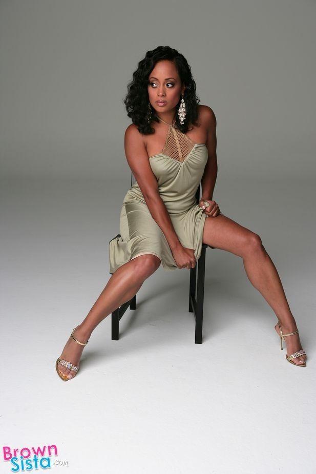 Essence Atkins | GREATEST LEGS | Atkins, Black actresses, Beautiful