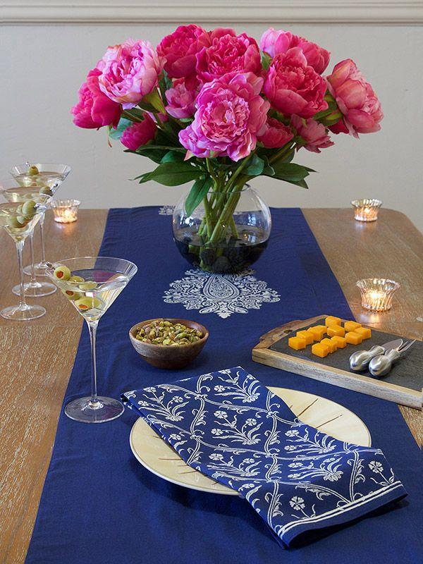 White floral ogee dinner napkins, Modern co-ordinating cloth dinner napkins