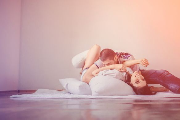 8 Reasons Why You Shouldn't Fall In Love (And 1 Reason Why You Should) | Thought Catalog