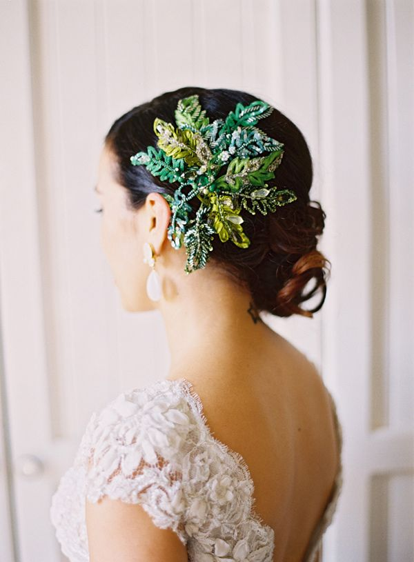 gorgeous bridal accessory photo by stewart leishman http ruffledblog com
