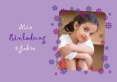 Süße Einladungskarte Zum 8. Kindergeburtstag Für Mädchen Mit Foto Und Rahmen  Aus Lila Blumen