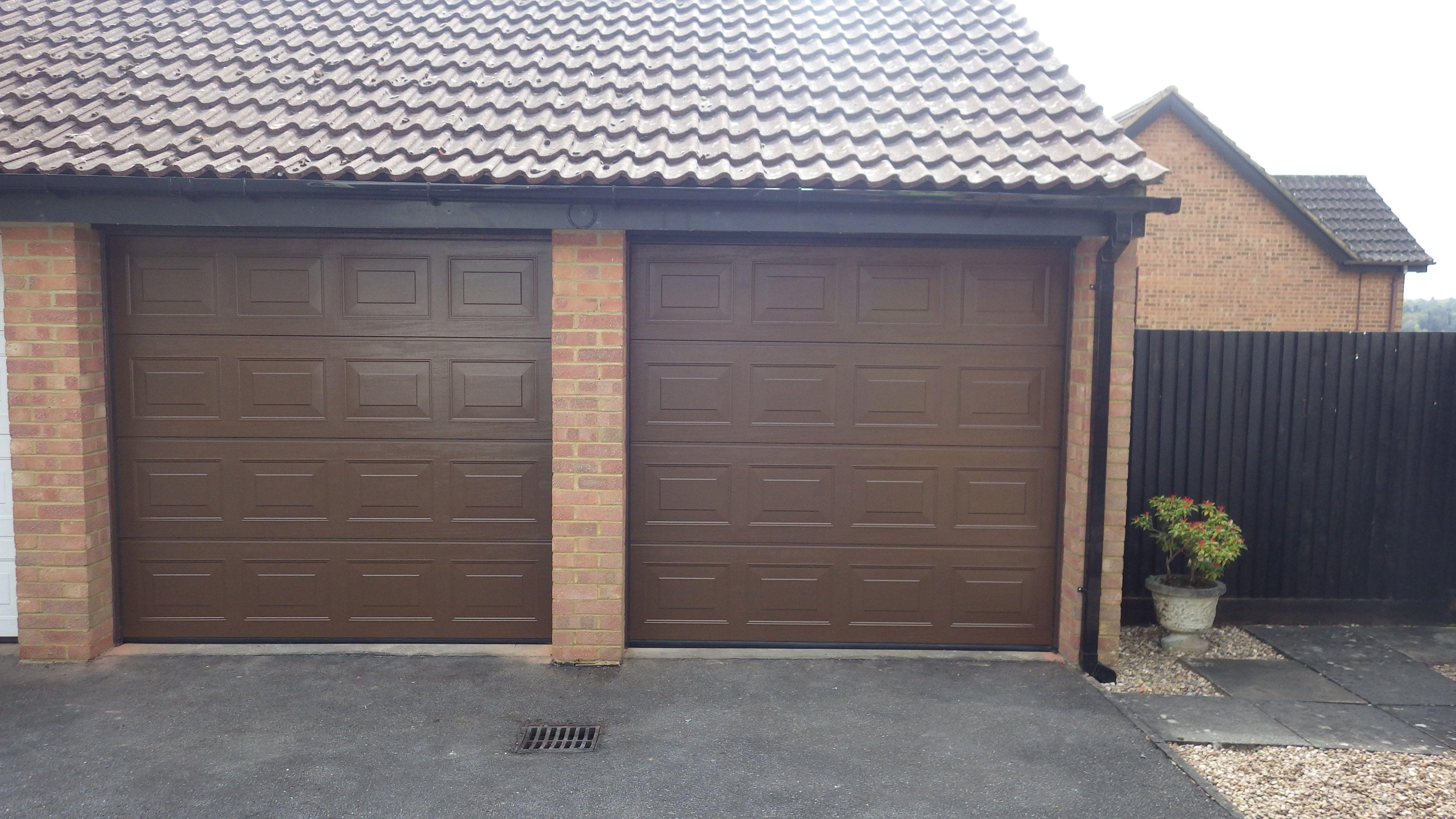 Hormann sectional s panelled woodgrain z track lte40 door and no doors rubansaba