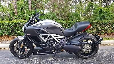 Ducati Ducati Diavel Carbon 2015 Motorcycle Used 1198 Diavel Ducati
