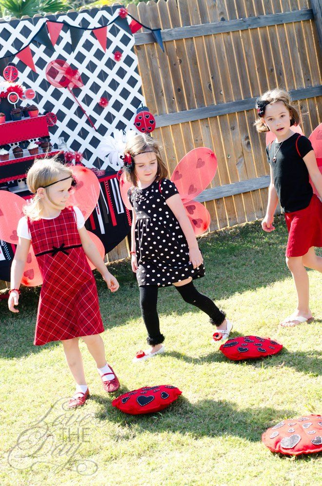 Ladybug Birthday Indoor Outdoor Party Games Ladybug Themed Party Decoration Supplies for Girls Great Throwing Games for Kids and Adults PANTIDE Ladybug Toss Games with 4 Bean Bags