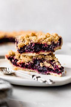 Tarta de frutos rojos con crumble | Cravings Journal