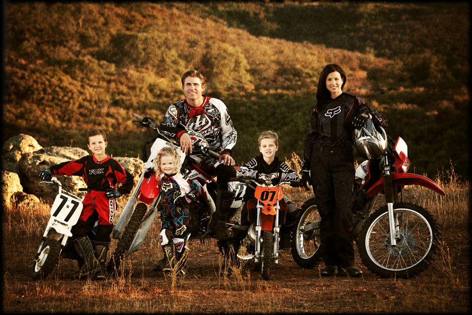 Cute Family Portrait Idea 3 Motocross Love Bike Photography