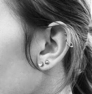 Piercing Helix Double Cartilage Hoop 46 Ideas #doublenosepiercing