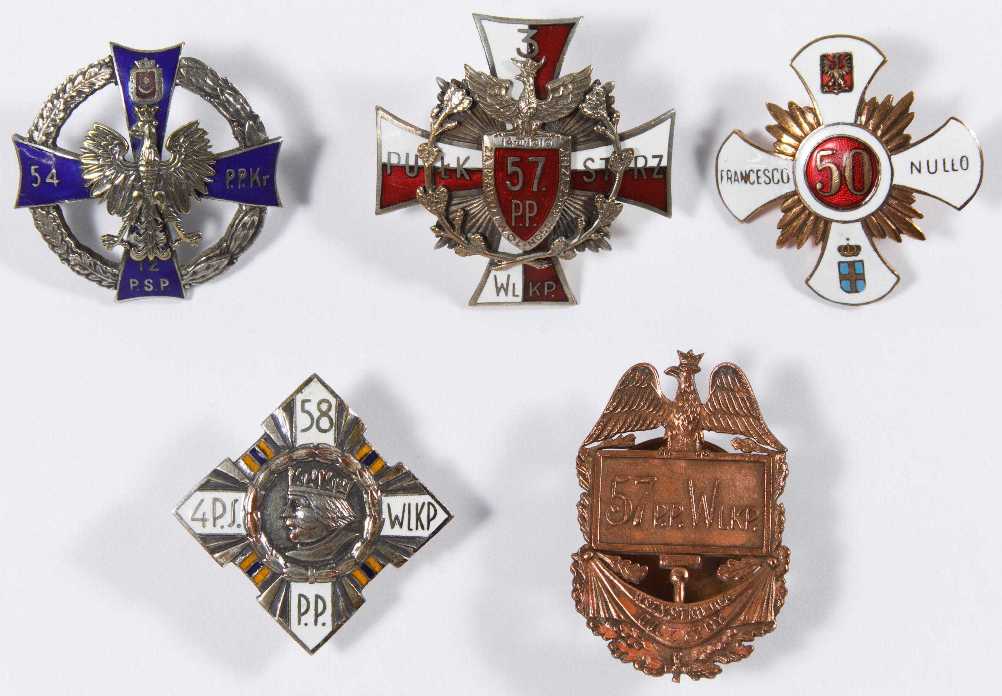 Lot 518: World War II Era Polish Infantry Regimental Badge