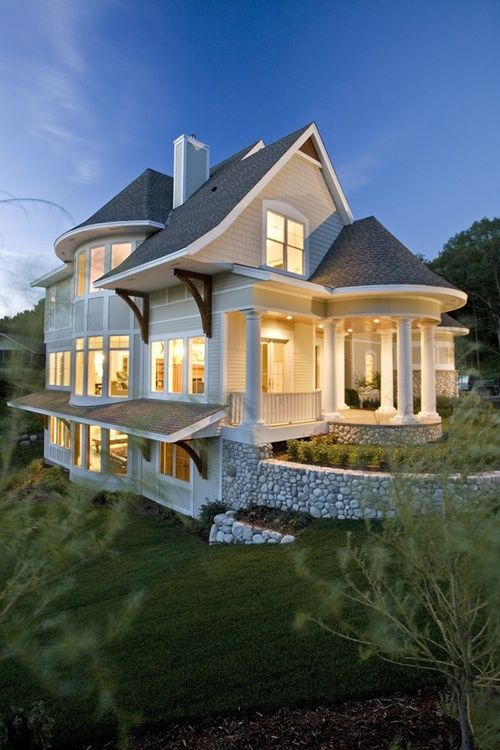 cute country home could we add a few wraparound porches