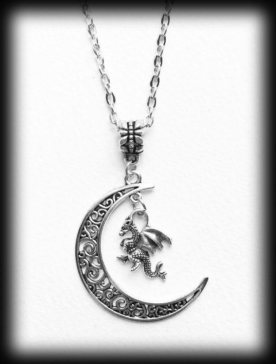 Collar de Dragon Luna Luna luna colgante por WhisperToTheMoon