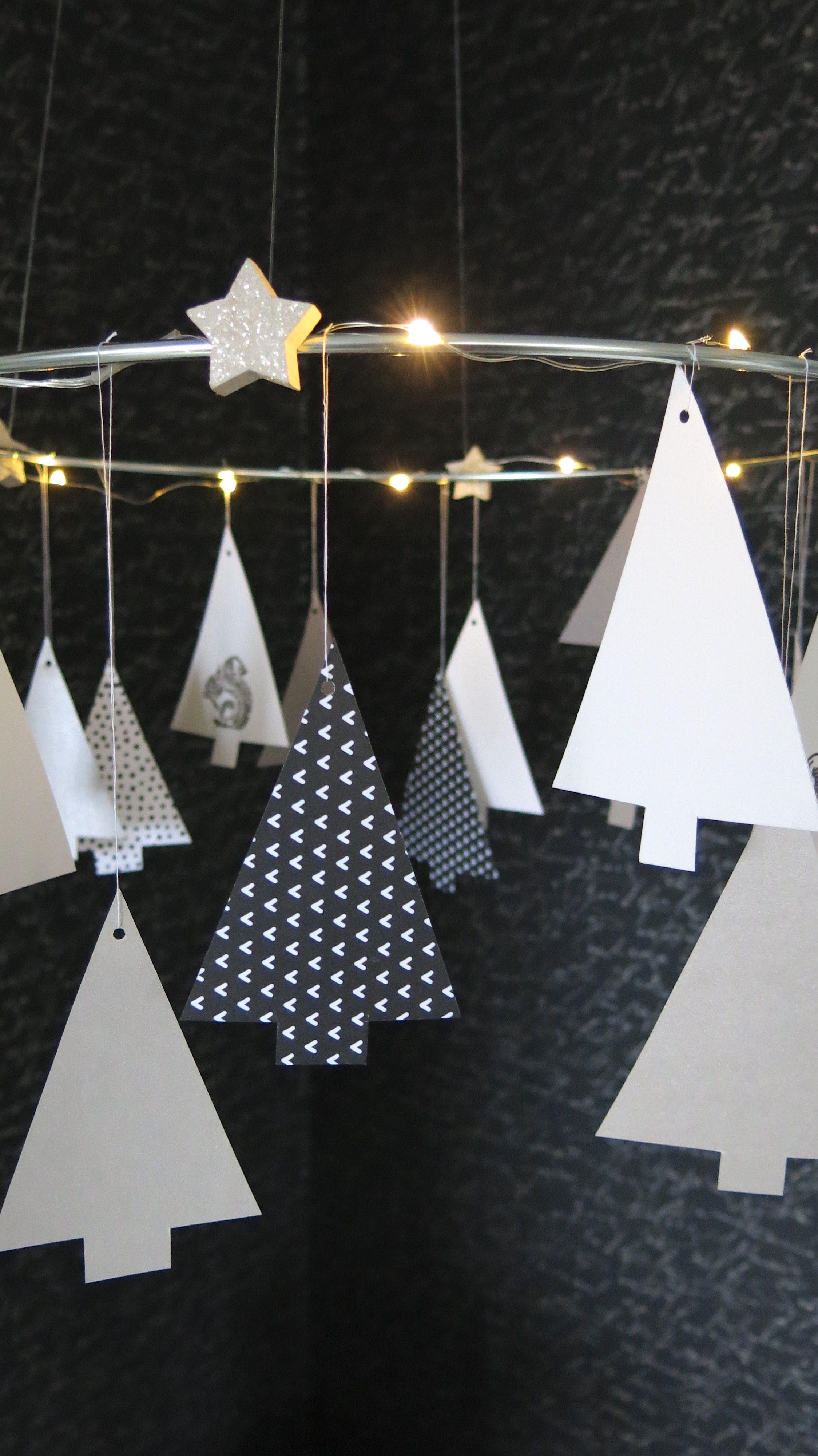 tannenkranz mit beleuchtung schwarz auf wei 107qm weihnachten pinterest. Black Bedroom Furniture Sets. Home Design Ideas