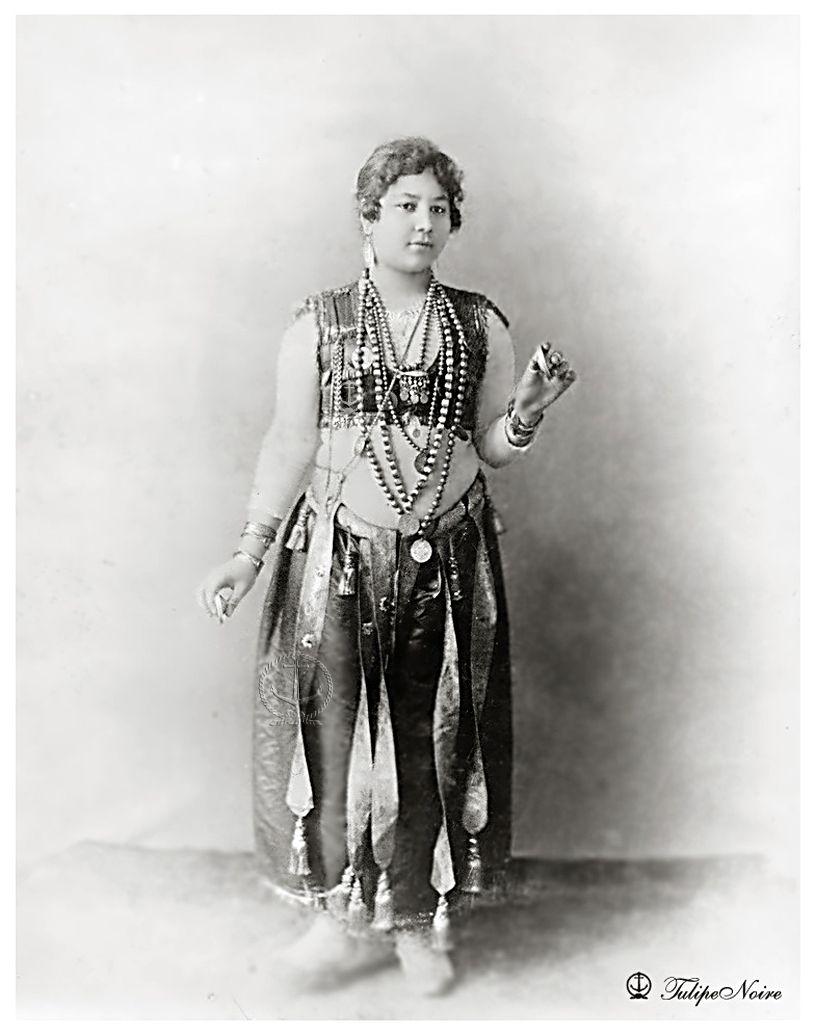 An egyptian dancer cairo in 1893 worlds columbian