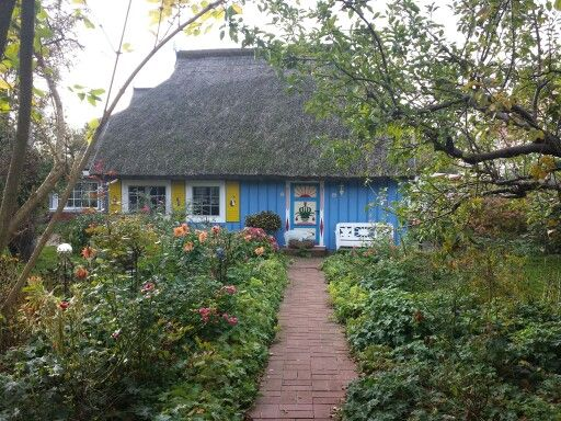 Altes Fischerhaus altes fischerhaus in zingst home home architecture