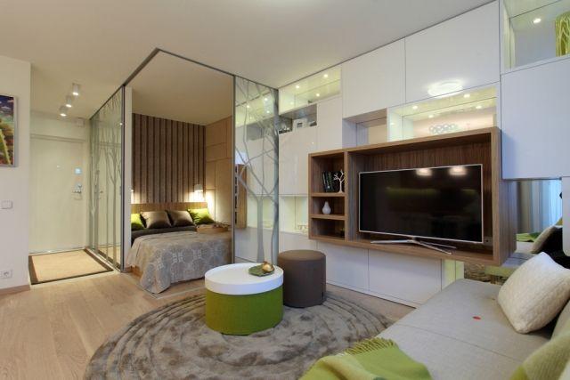 1 Zimmer Wohnung Einrichten Modern Weiß Grün Holz Bett Glas Schiebetüren  Umschlossen