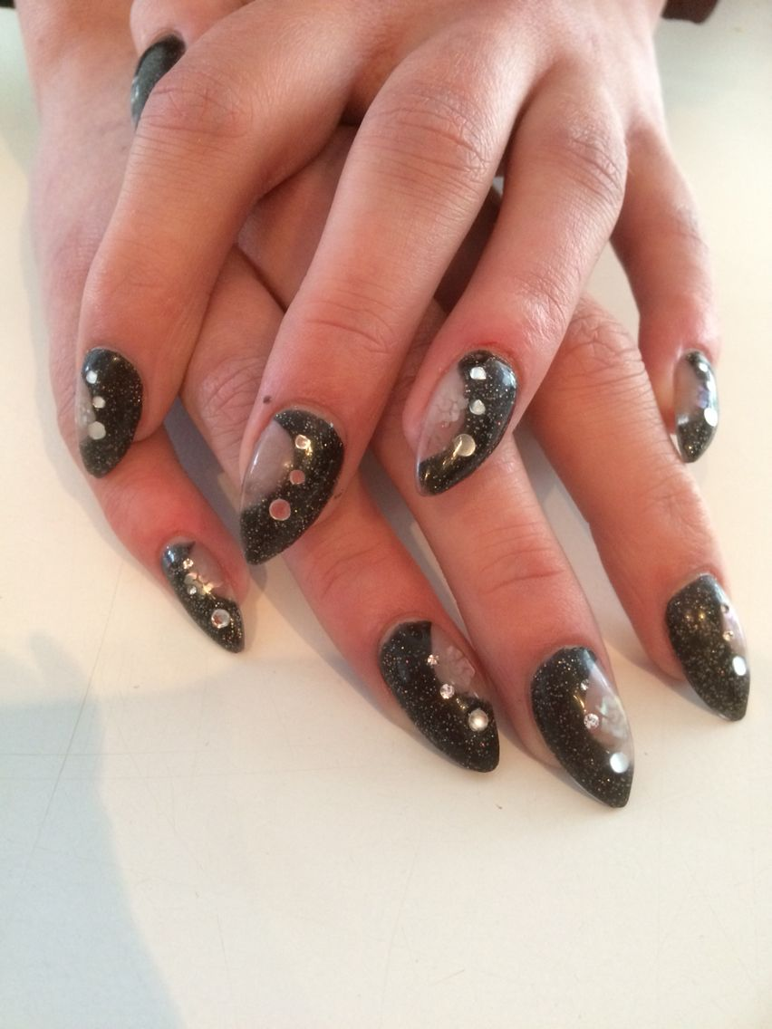 Black and Stones acryl nagels