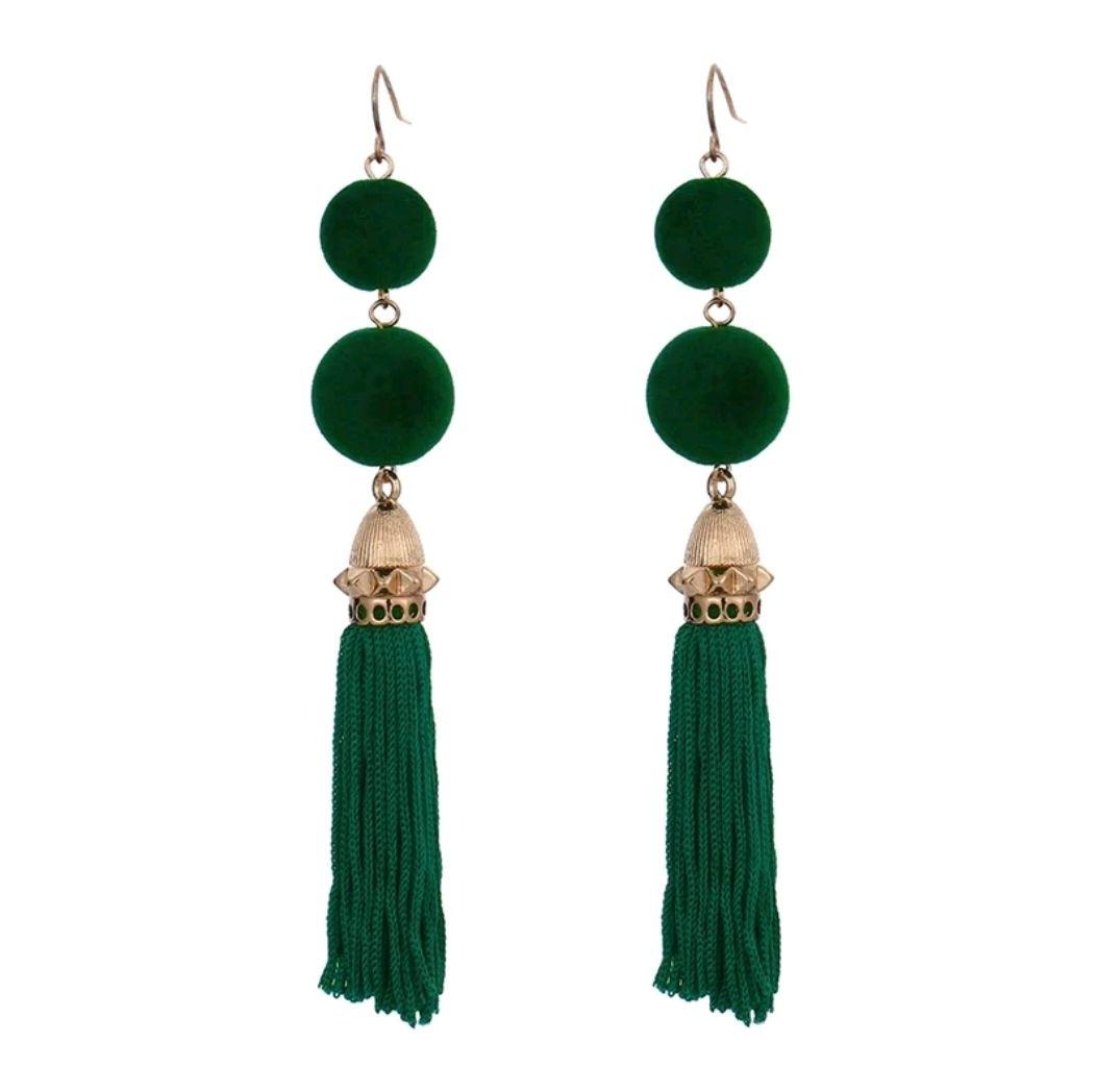 563181de2ae8 Aretes de moda verdes largos borlas y doble circulo  🔱 Aretes verdes largos .🔅