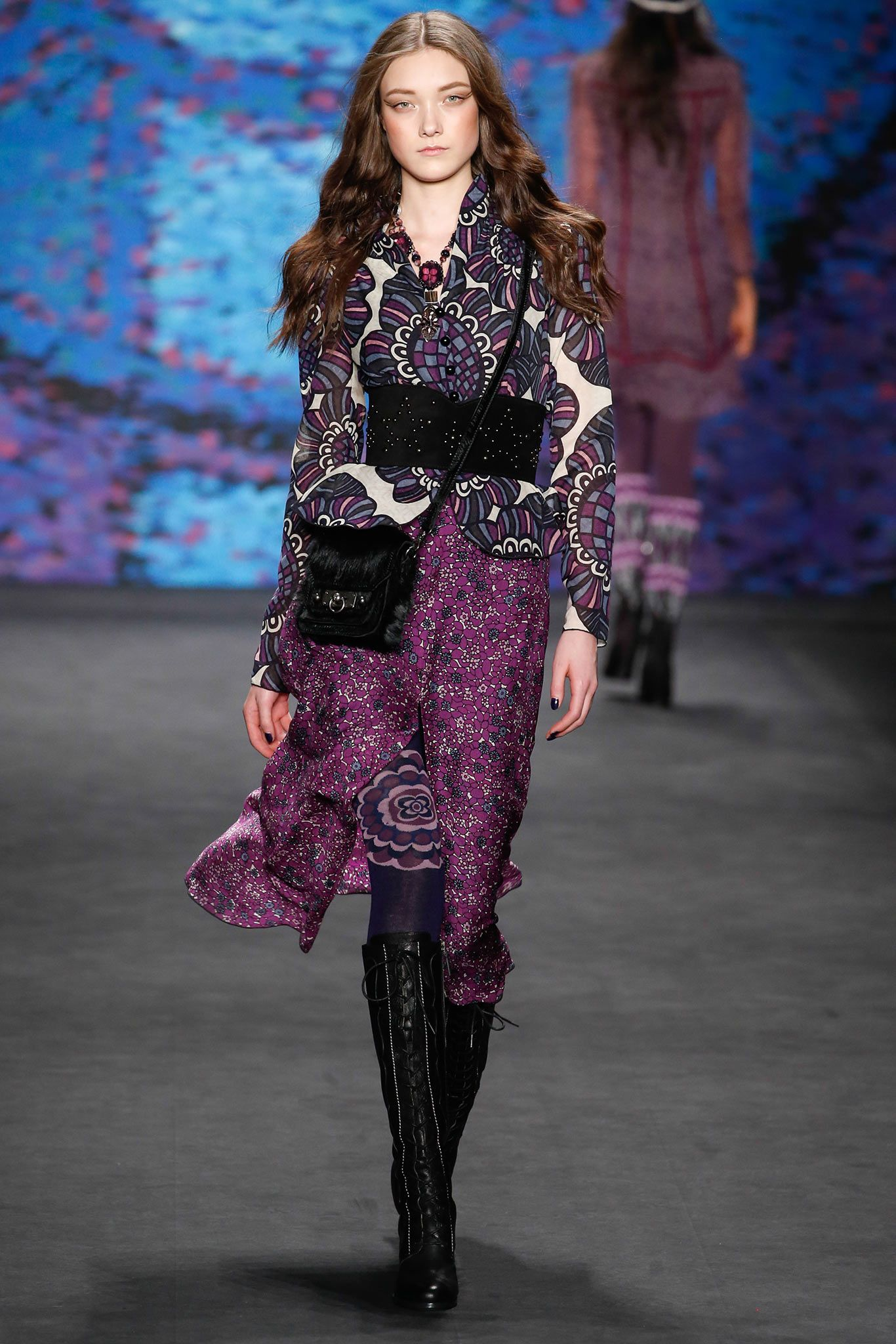 a6b31bfd100 Anna Sui Fall 2015 Ready-to-Wear - Collection - Gallery - Style.com