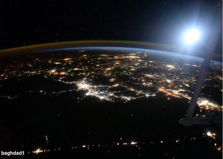 أحدث صور لعاصمة العراق بغداد نم إلتقاطها هذا اليوم من المحطة الفضائية الدولية من قبل رائد الفضاء الأمريكي المعروف بطول مدة بقائه في ا Scott Kelly Kelly Baghdad