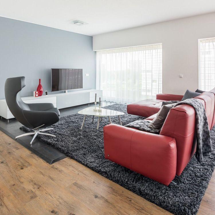 Rote Couch lederwohnzimmersteingrauwandfarbeanthrazit