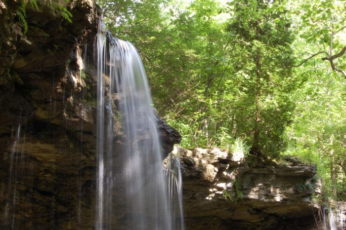 This Hike Will Lead You To One Of The Most Enchanting Spots In Ohio Ohio Waterfalls Ohio Destinations Ohio Travel