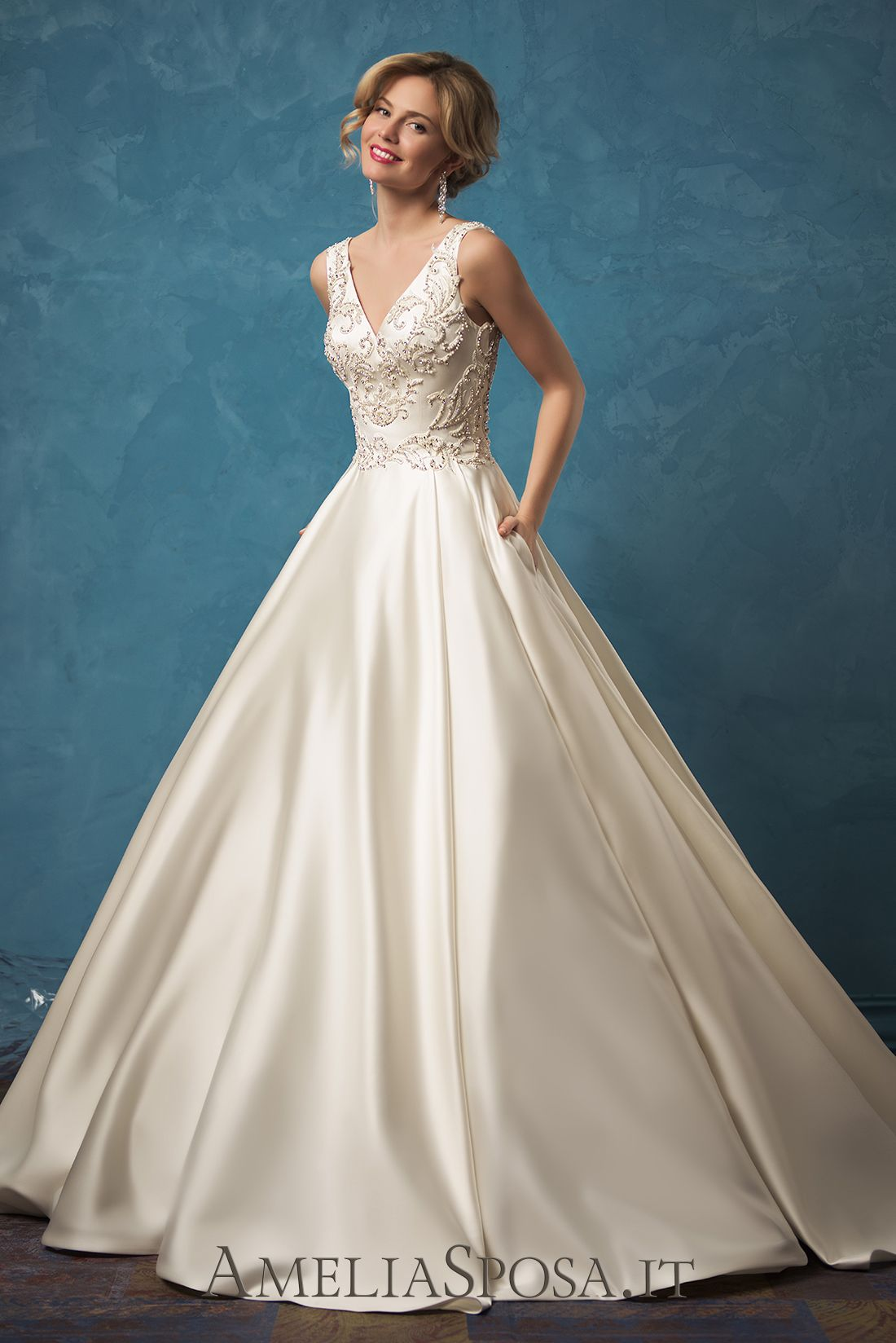 Wedding Dress Noemi, Silhouette: A-line | Sleeveless Matrimonio ...