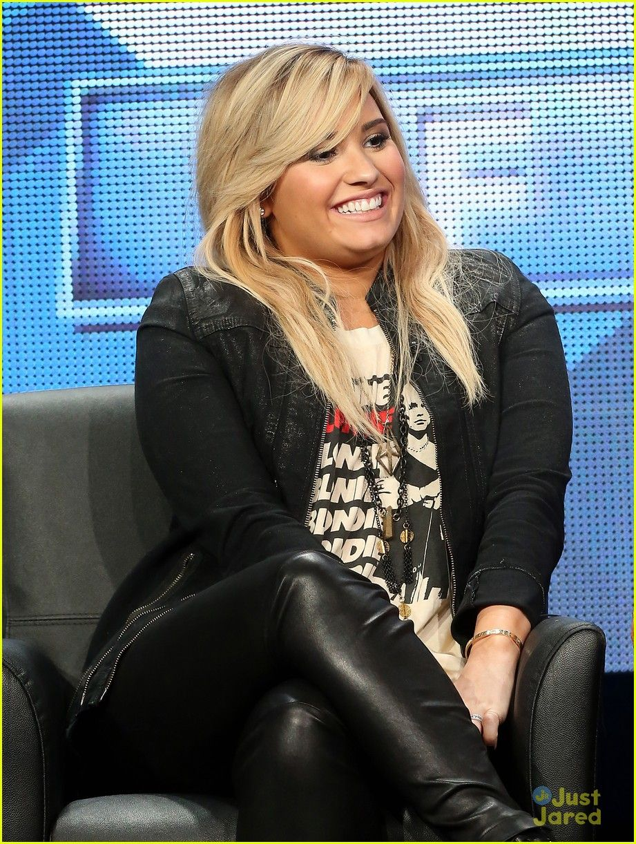 Pin Em Demi Lovato 3