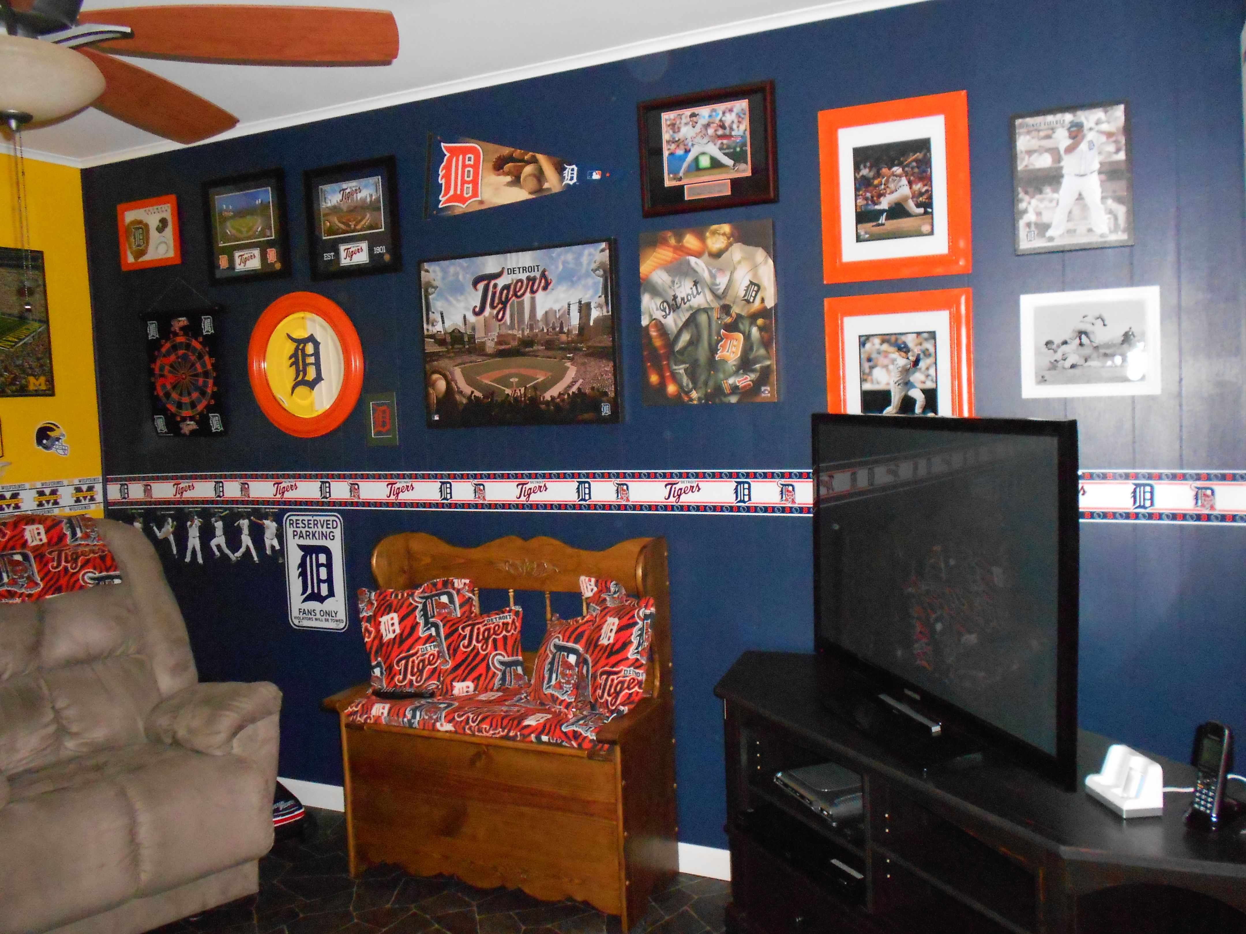 Detroit Tigers wall. Detroit Tigers wall   Our New Sports Room  Man Cave    Pinterest