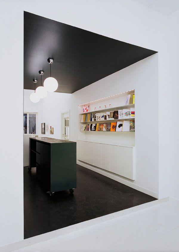 Inspirations Osez Peindre Votre Plafond Frenchy Fancy Plafond Peint Decor Noir Et Blanc Plafond
