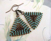 Peyote Boucles d'oreilles / Peyote Triangle Boucles d'oreilles en turquoise et Brown / perlé Boucles d'oreilles / Beadwoven Boucles d'oreilles / Boucles d'oreilles perles de rocaille /