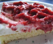 Rezept Erdbeer-Wellen-Kuchen von sabri - Rezept der Kategorie Backen süß