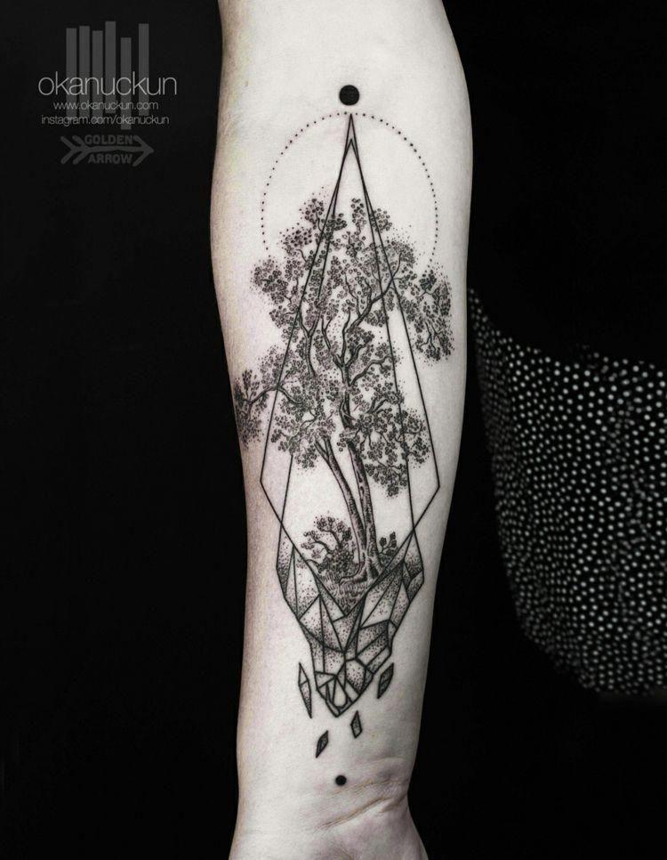 Tattoos Mit Surrealem Design Punkte Baum Romantisch Geoemtrisch