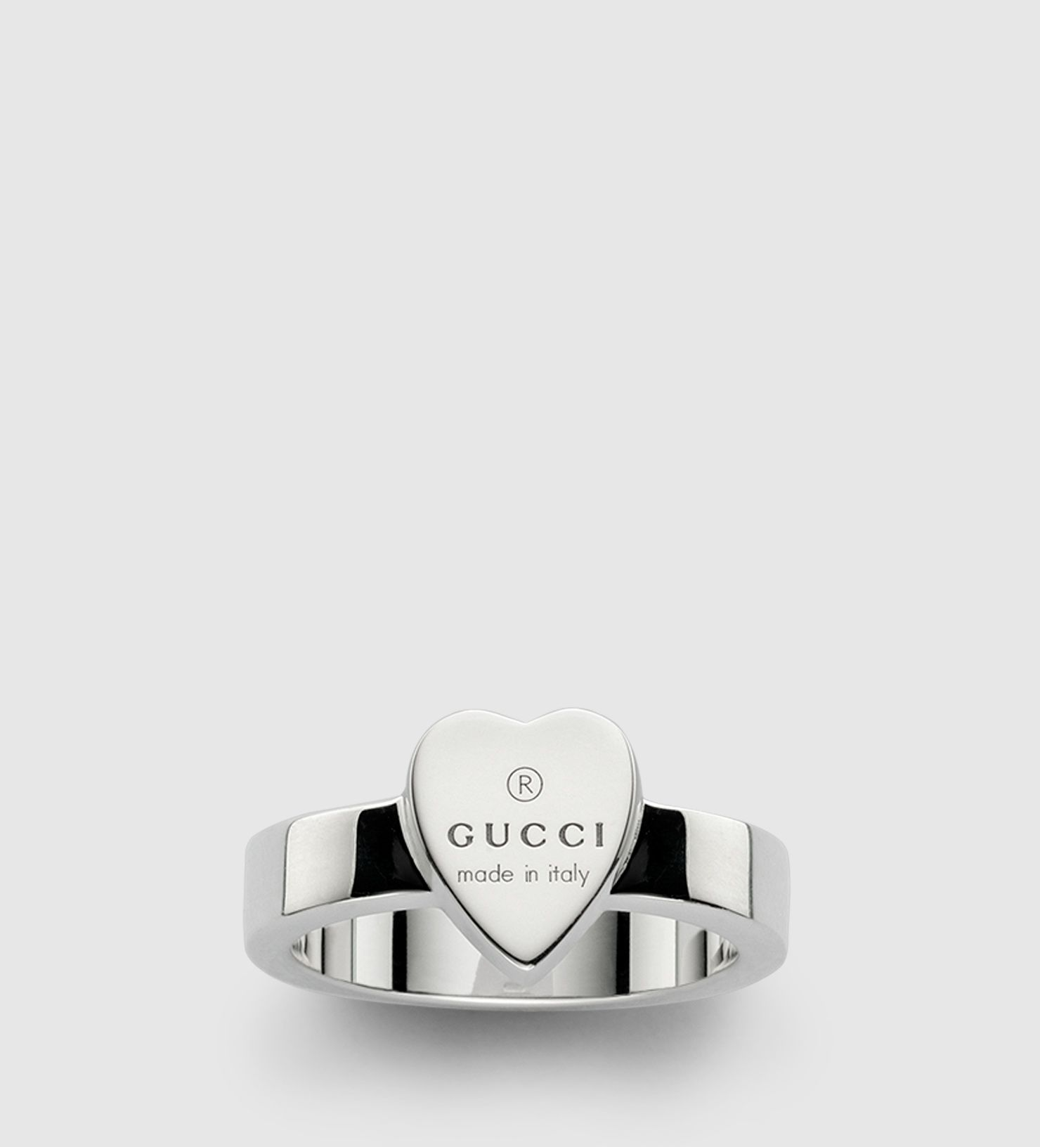 Spectacular heart ring with gucci trademark engraving