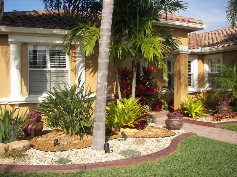 South florida landscaping pictures yard landscaping for Florida landscape ideas front yard