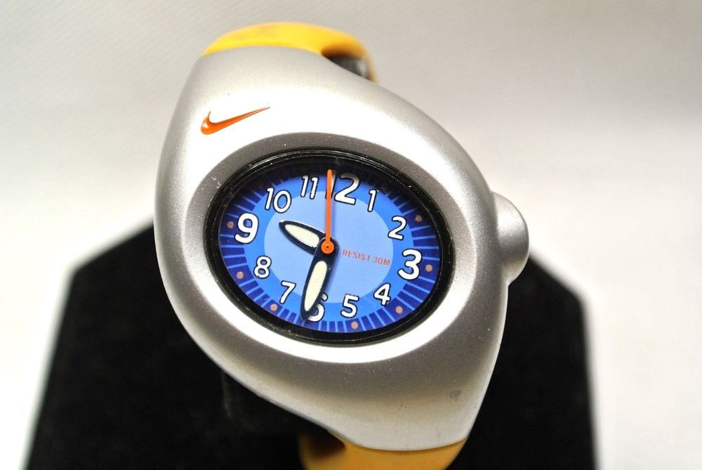 d2e276049eec Nike Yellow Triax Junior or Women s With Blue Face Watch  Nike  Sport