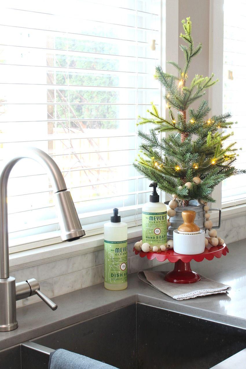Easy Ways to Make Your Home Smell Like Christmas | Holidays, Xmas ...