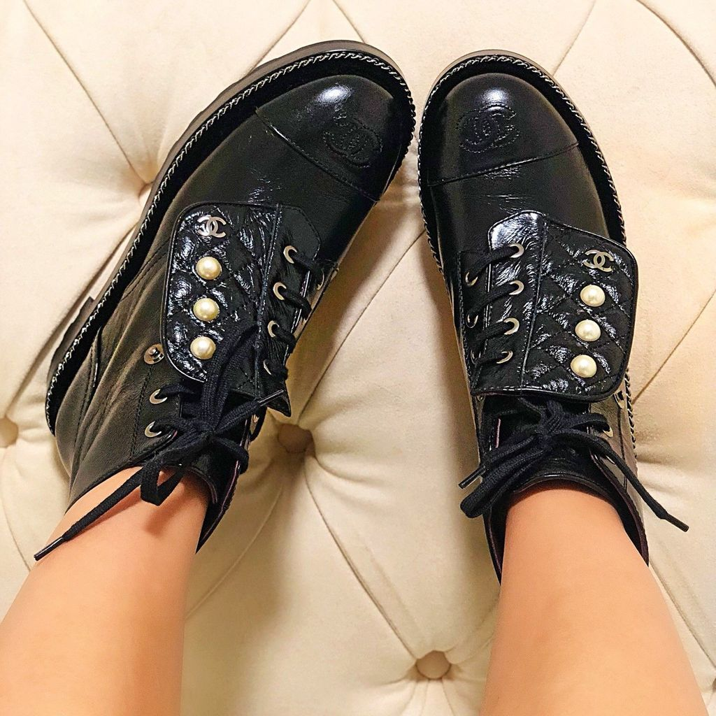 caa1e008732 Chanel Black Leather Combat Short Lace Up Pearl Ankle Quilted Boots ...