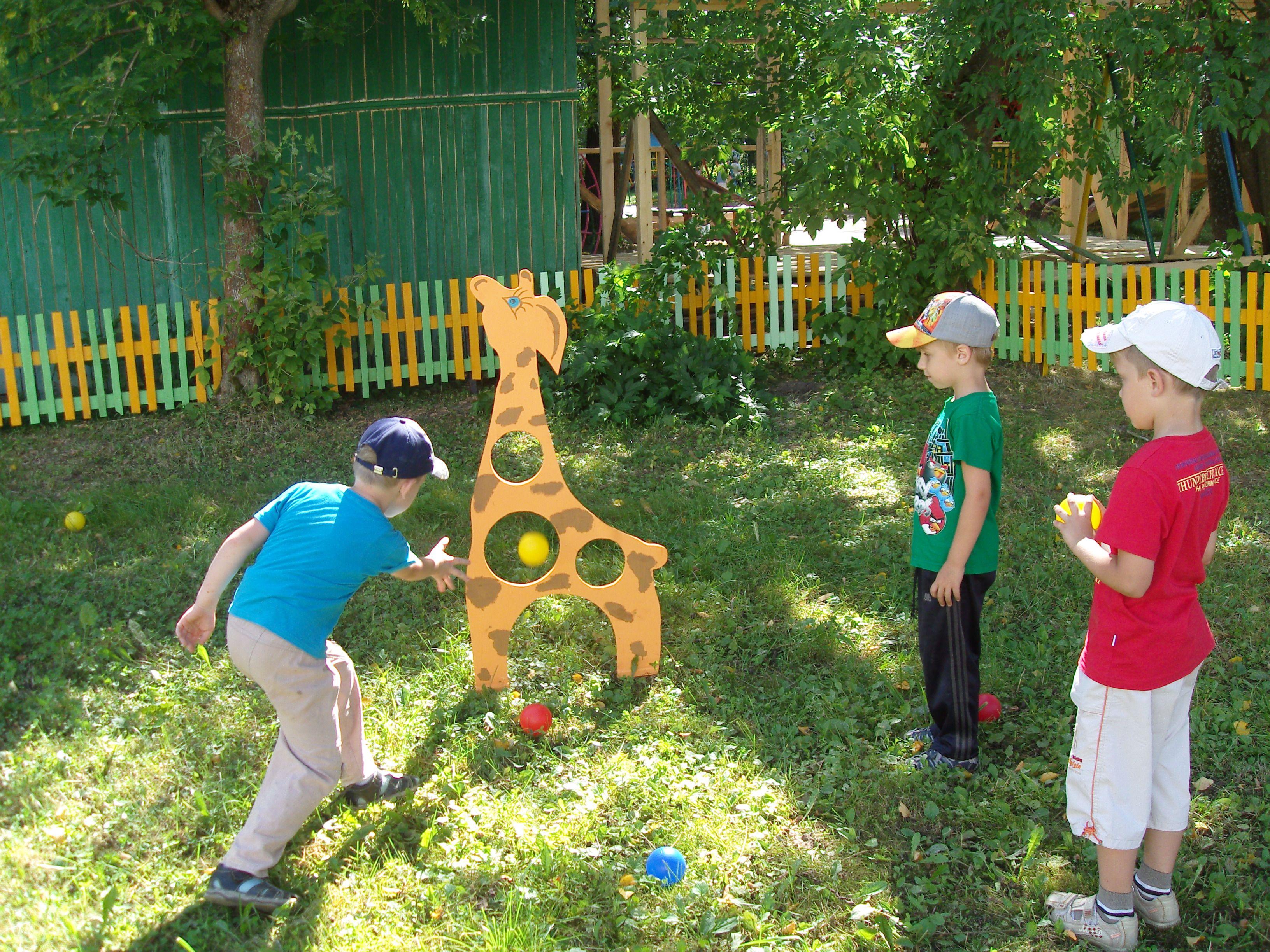 Декор детской площадки своими руками