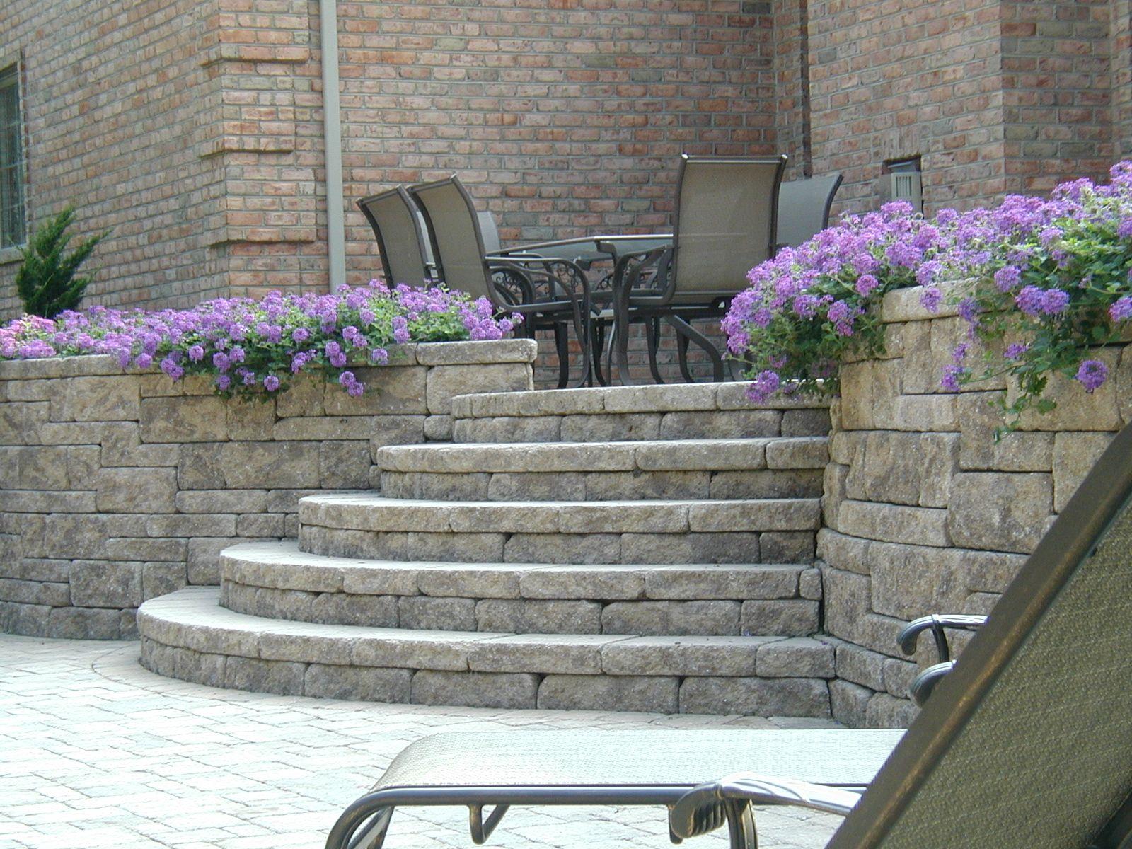 landscape block retaining wall steps | Retaining wall ideas ...