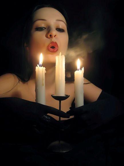 é tempo de apagar a luz e satisfazer meu desejo