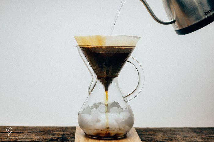 ゆっくりと時間をかけて作るアイスコーヒー ウォータードリップ 水出しコーヒー に挑戦してみない キナリノ 水出しコーヒー アイスコーヒー コーヒー
