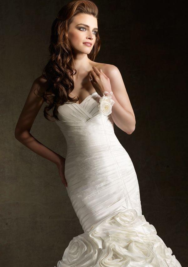 http://www.manalifashion.com/ الموقع الاكبر والاكثر ثقه ومبيعا فى بيع فساتين الزفاف