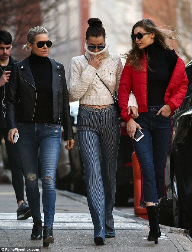 c0da9710ff Yolanda Hadid and her supermodel daughters Gigi and Bella turn heads ...