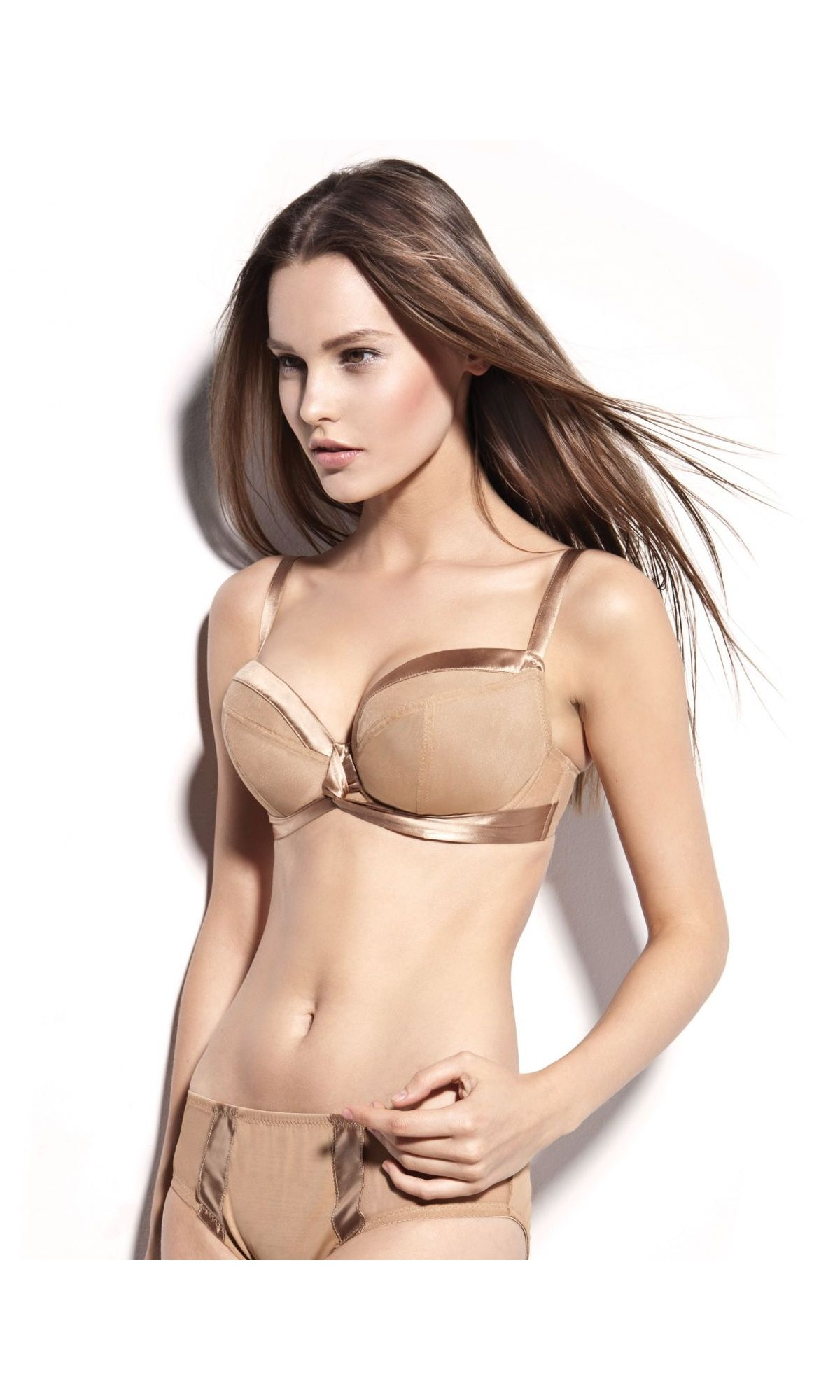 2db8fac5ac60b Avocado Nina plunge bra in gold.  ddplus  28band  40band